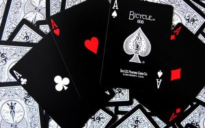 Influence of the Use of Tactics in Playing Poker Online